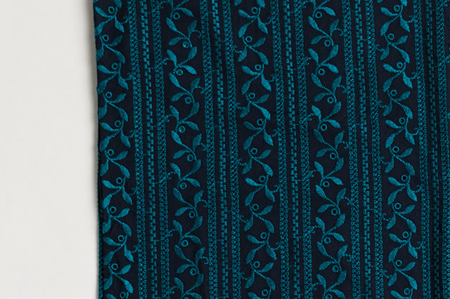 レース刺繍着物-紺碧の森